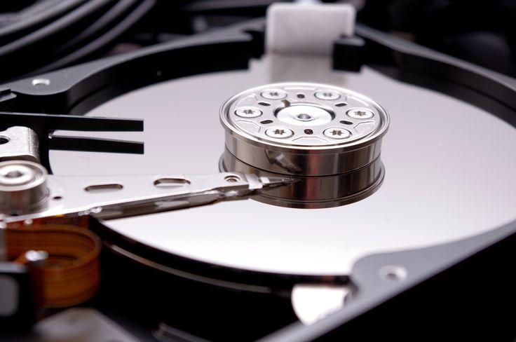 """A veces queremos sacar lo que hay en un disco duro de un ordenador estropeado, portátil o sobremesa. Da igual que sea con conector SATA o IDE o que sea de 2.5 o 3.5 pulgadas. En vez de perder tiempo conectando lo a otro ordenador como """"esclavo"""" o de cualquier otro modo, existe una solución … Continuar leyendo """"Conectar disco duro SATA o IDE tanto de portátil como el de 3,5 pulgadas por USB"""""""