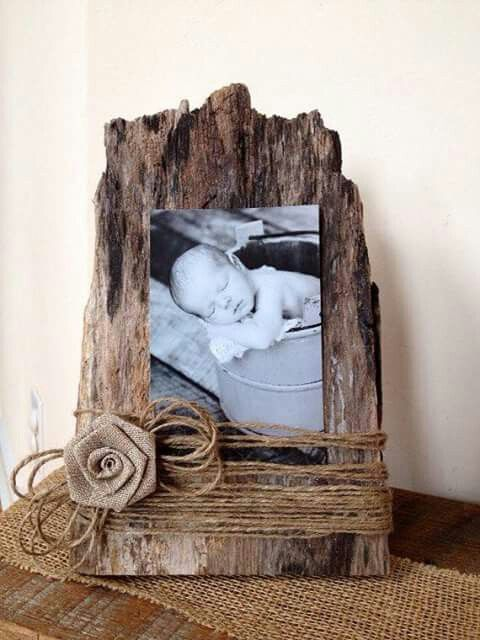 Marco de fotos con corteza de árbol