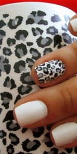 Black, White & Grey Leopard nails. Love the idea of just one printed nail.