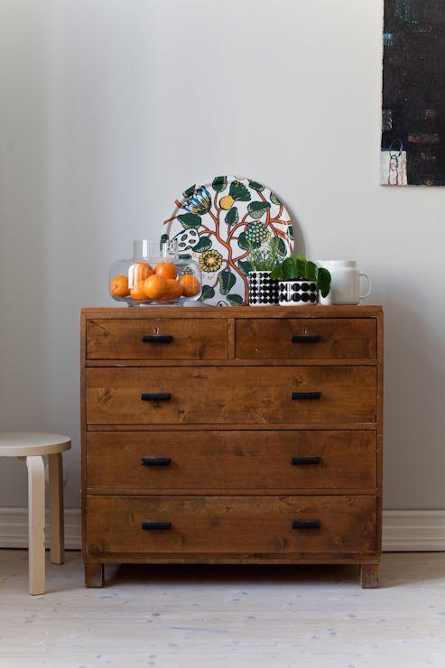 Marimekko's Tiara tray and Urna vase. From the blog Vihreä talo.