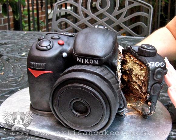 Nikon Camera Birthday Cake. I want the Canon version!
