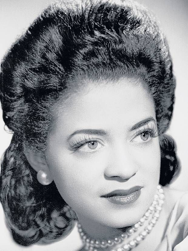 Kay Davis: Singer who worked with Duke Ellington Although she was a classically trained soprano, Kay Davis established her name with the busiest, most famous jazz orchestra of the time, as one of three female singers in the Duke Ellington band. The fact that they were all very talented came first, but Ellington, the great charmer, loved to be in the company of beautiful women.