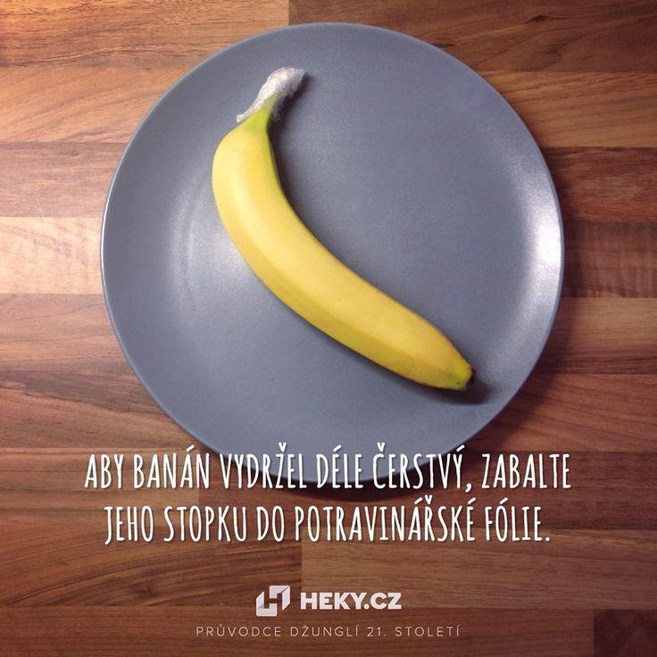 Jak uchovat banán déle čerstvý? Jeho stopku obalte v potravinové fólii
