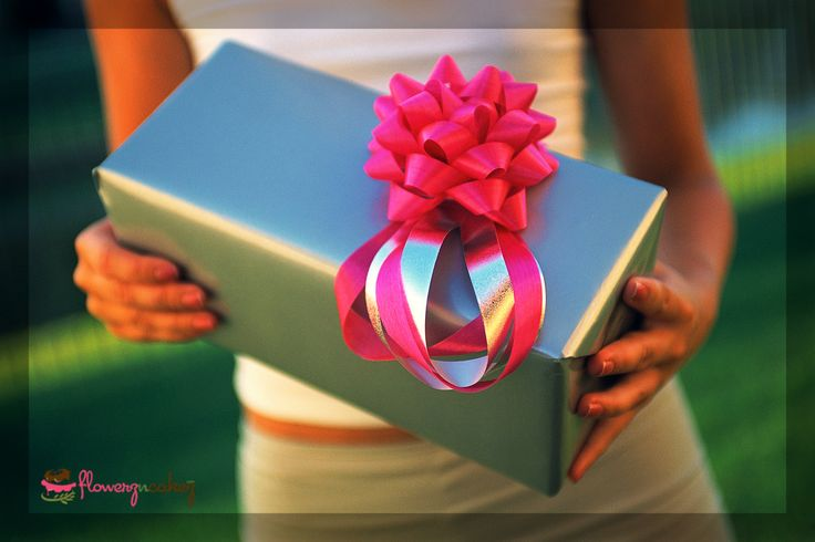 A surprise #Gift is always good to bring happiness to your loved ones.... http://www.flowerzncakez.com/