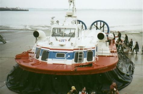 Hovercraft to Isle of Wight Photo - Portsmouth, England
