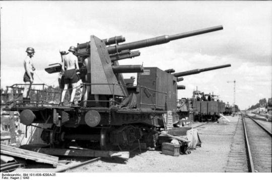 8,8 cm Flak anti aircraft gun mounted on Railway car
