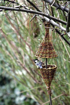 KAREN GOSSART   _F8W1415  bird feeder willow