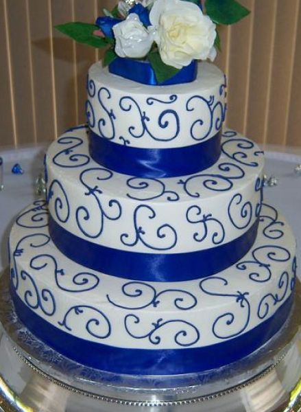 pictures of blue wedding cakes 17 best images about cakes multi tier royal blue wedding 18394