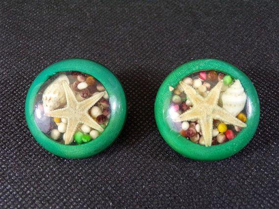 boucles d'oreilles vintage à clip en lucite et coquillages