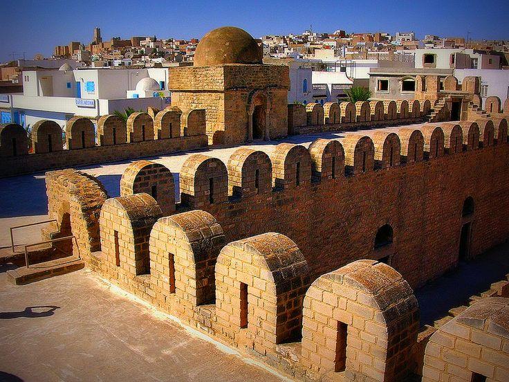 Tunesien - Sousse - Blick vom Wehrgang des Ribat auf die Stadt,  72037/2974