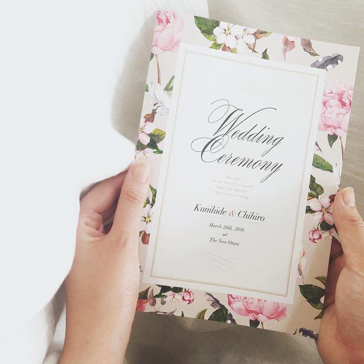 . size  A5 (148㎜×210㎜) プロフィールブック . . 基本のサイズはこちらのA5 持ち運びやすく、可愛くも見える、 ほどよい大きさです。 . これより大きなB5やA4にも変更可能です。 卓数の多い席次表を載せる場合など、 ゆったり見えておすすめです。 . . #paperitem #ペーパーアイテム #プロフィールブック #wedding #weddingbook #ウェディング #招待状  #席次表