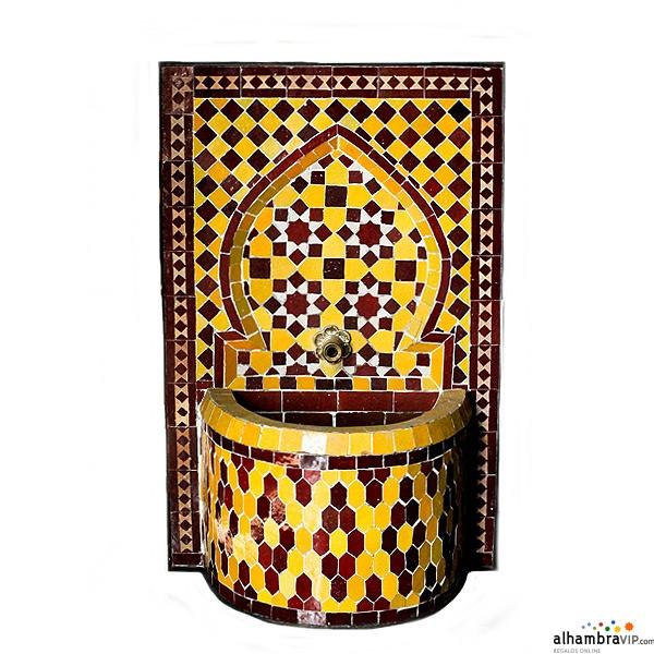 Fuente de agua mosaico amarillo y burdeos pequeña