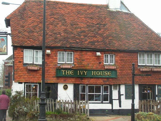 Photo by Nigel Chadwick.  The Ivy House.  Another of my dad's favourite pubs in Tonbridge.