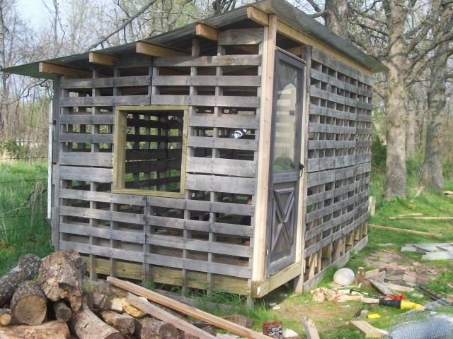 Chicken Coop Made from Shipping Pallets | TBN Ranch