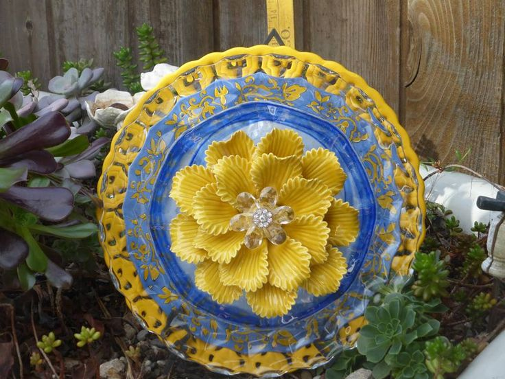 Plate Flower #636 Drought Resistant. Garden Yard Art Glass And Ceramic  Plate Flower