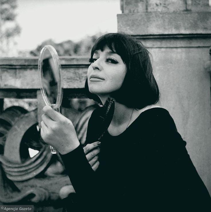 Aktorka i piosenkarka Kalina Jędrusik. Warszawa, 1965 r. Tadeusz Rolke