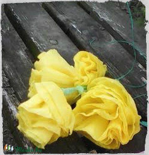 Krepp papír virág szépségek / papírdekoráció / asztaldísz (ottidekor) - Meska.hu