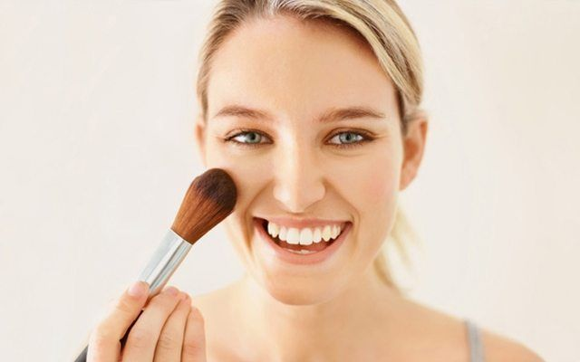 8 make-up tips that will make your life easier        Make-up is one of the indispensable habits of many women. Everyone has their own missing or unfavorable side. Actually, it is very easy to find solutions to these minor flaws with makeup tricks. Even though we are beautiful, these little sticks can make our daily life easier. Here is a... http://whatishesaying.com/8-make-up-tips-that-will-make-your-life-easier/