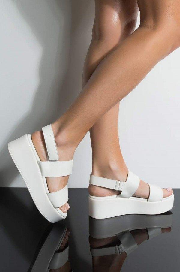 CLEARANCE 90/'s Black Platform Espadrille Sandal Thong Sandal  Size 10