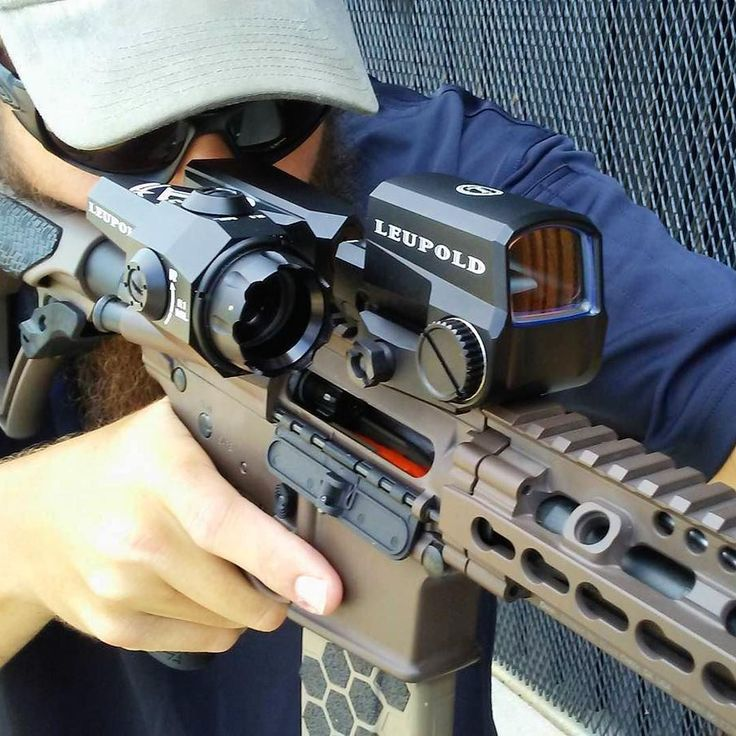 Leupold D-EVO scope paired with the LCO red dot sight on a Daniel Defense DDM4.
