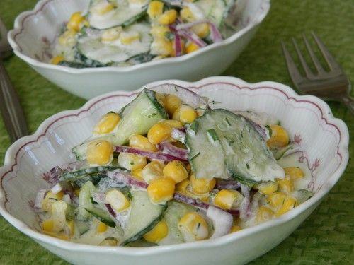 Gurken - Mais Salat mit Sahne - Schmand Dressing