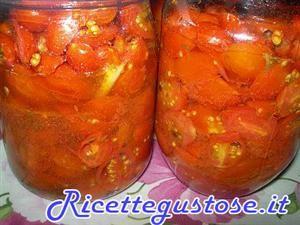 Pomodori datterini conservati per bruschetta