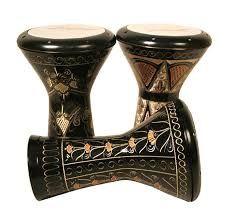 El derbake (en árabe دربكة), llamado también darbuka , doumbek o darbukenti, es un instrumento de percusión de origen árabe usado en todo el Medio Oriente. Pertenece al grupo de los tambores de copa.