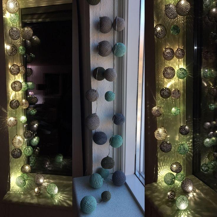 Hæklede happy lights.