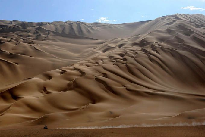 I wish this sand dune in Peru is part of Dakar rally racing :) - I'll be there!!!