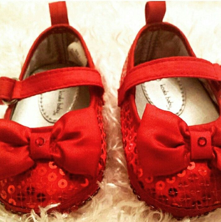 Perfect shoes for baby's first Valentine's Day!  www.babyblingfashion.com 😍