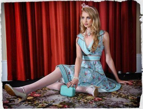 La Belle Paris Collar Dress
