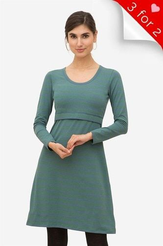 0cccbb30e31fc Looking for the perfect long sleeve breastfeeding dress for winter? You  have found it.