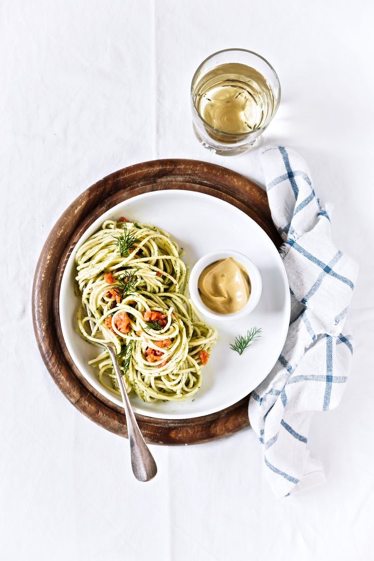 Pasta with smoked salmon and cream dill sauce - pasta recipe - bigoli all'aneto e salmone - OPSD blog - food photography
