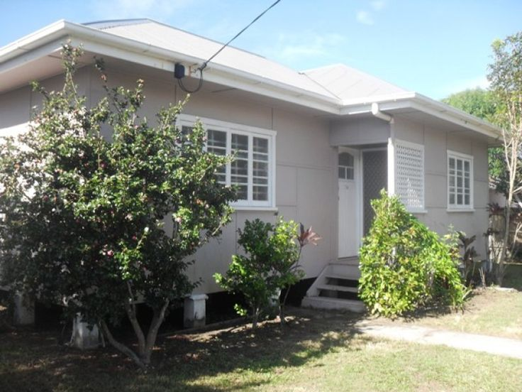 104 Parker Street, Maroochydore, Qld 4558. $350 p/w to rent long term. 2 bedrooms & 2 loos