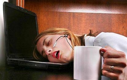 La stanchezza è un sintomo da non sottovalutare: ecco le malattie collegate - La stanchezza costituisce un sintomo da non sottovalutare, visto che può indicare la presenza di possibili malattie: carenze di ferro o di vitamine, ipotiroidismo, depressione, sindrome della stanchezza cronica.