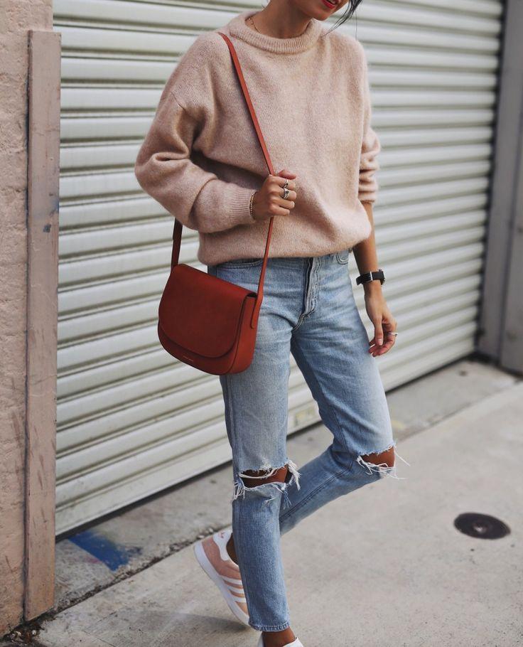 #sweater #knit #wardrobestaples #styling #style #personalstyling #elishacasagrande