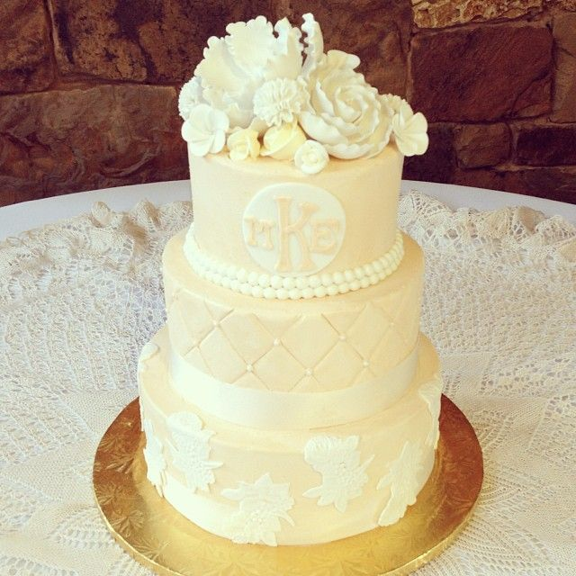 Champagne Buttercream Lace, Quilting, and Pearls Wedding Cake / 2tarts Bakery / New Braunfels, TX / www.2tarts.com