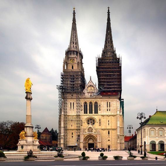 Catedral De Zagreb Gothic Architecture Cathedral Church Architecture