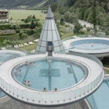 Ihr Wellnesshotel in Österreich bietet Ihnen Wellness auf höchstem Niveau. Damit wird Ihr Thermenurlaub in Tirol zum unvergesslichen Erlebnis.