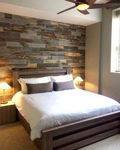 Faux Pallet Wall Es besteht aus dünnen Holzstücken und schwebt …   – master bedroom