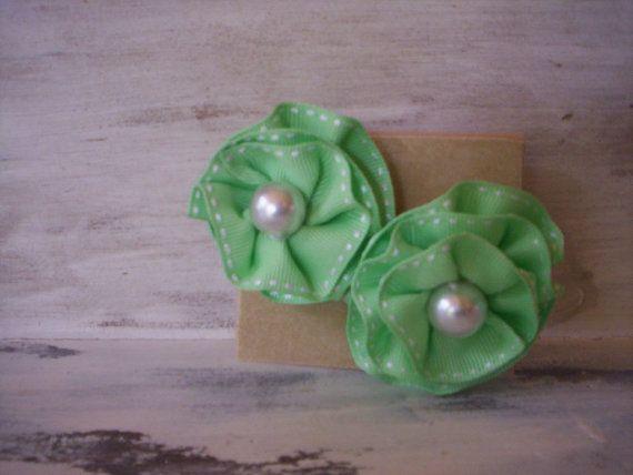 Fabric flower pin/Ruffle flower pin/Ribbon flower pin/Baby shower gift/Flower bead pin/Groom brooch/Fabric Flower brooch/Flower girl brooch