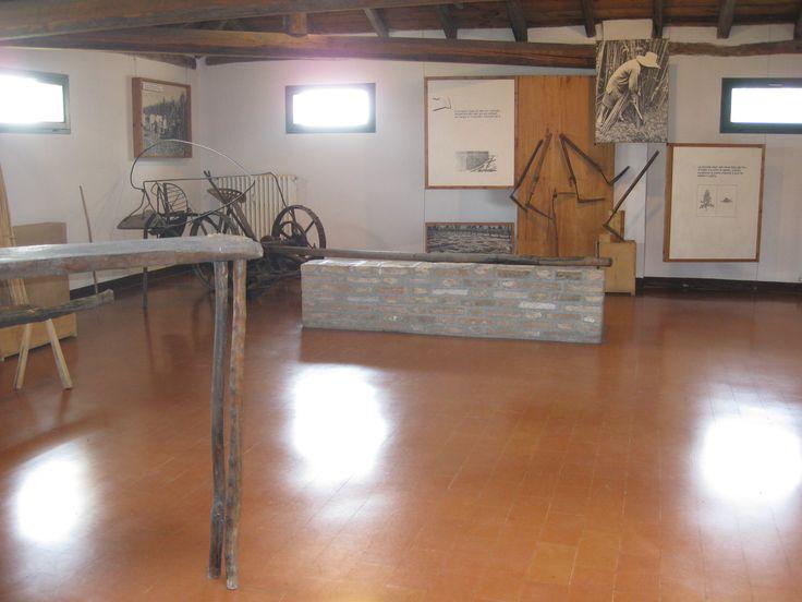 Villa Smeraldi, Museo della civiltà contadina - San Marino di Bentivoglio (BO) - sezione dedicata alla canapa.