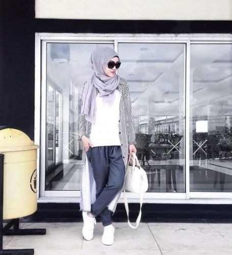 stripe long cardigan  hijab style, Sporty hijab street style http://www.justtrendygirls.com/sporty-hijab-street-style/