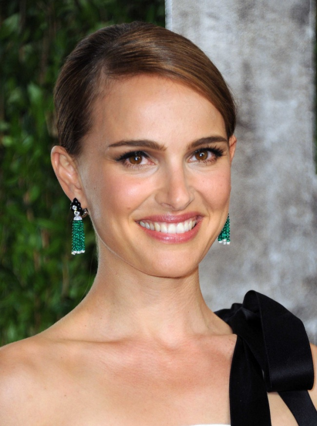 Natalie Portman arrives at the 2013 Vanity Fair Oscar party on Sunday, Feb. 24 2013 at the Sunset Plaza Hotel in West Hollywood, Calif