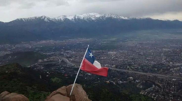 Hermosa postal! En la cima del Co. Maquehue con #trekkeroschile  @trekkeros ;)