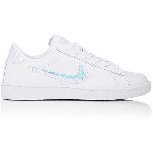Nike Women's Tennis Classic Premium Sneakers (57.645 CLP) ❤ liked on Polyvore featuring shoes, sneakers, white, white low top sneakers, tennis trainer, white tennis sneakers, lace up sneakers and nike shoes