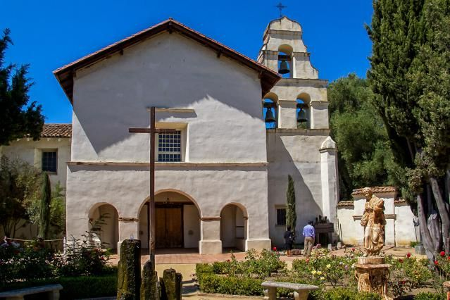 Quick Guide to Mission San Juan Bautista: for Visitors and Students: Mission San Juan Bautista