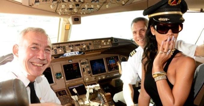 FOX estrenará documental del tour 777 de Rihanna