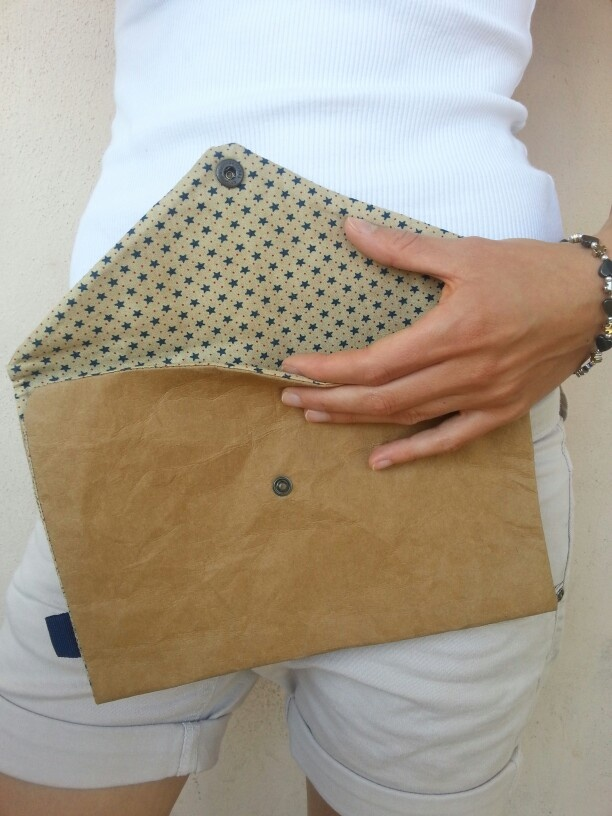 Handmade pochette by DE.sign - Paper and fabric