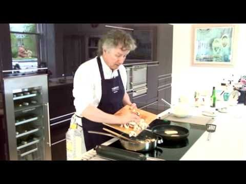 ▶ stornoway black pudding, pancakes and mushrooms - YouTube